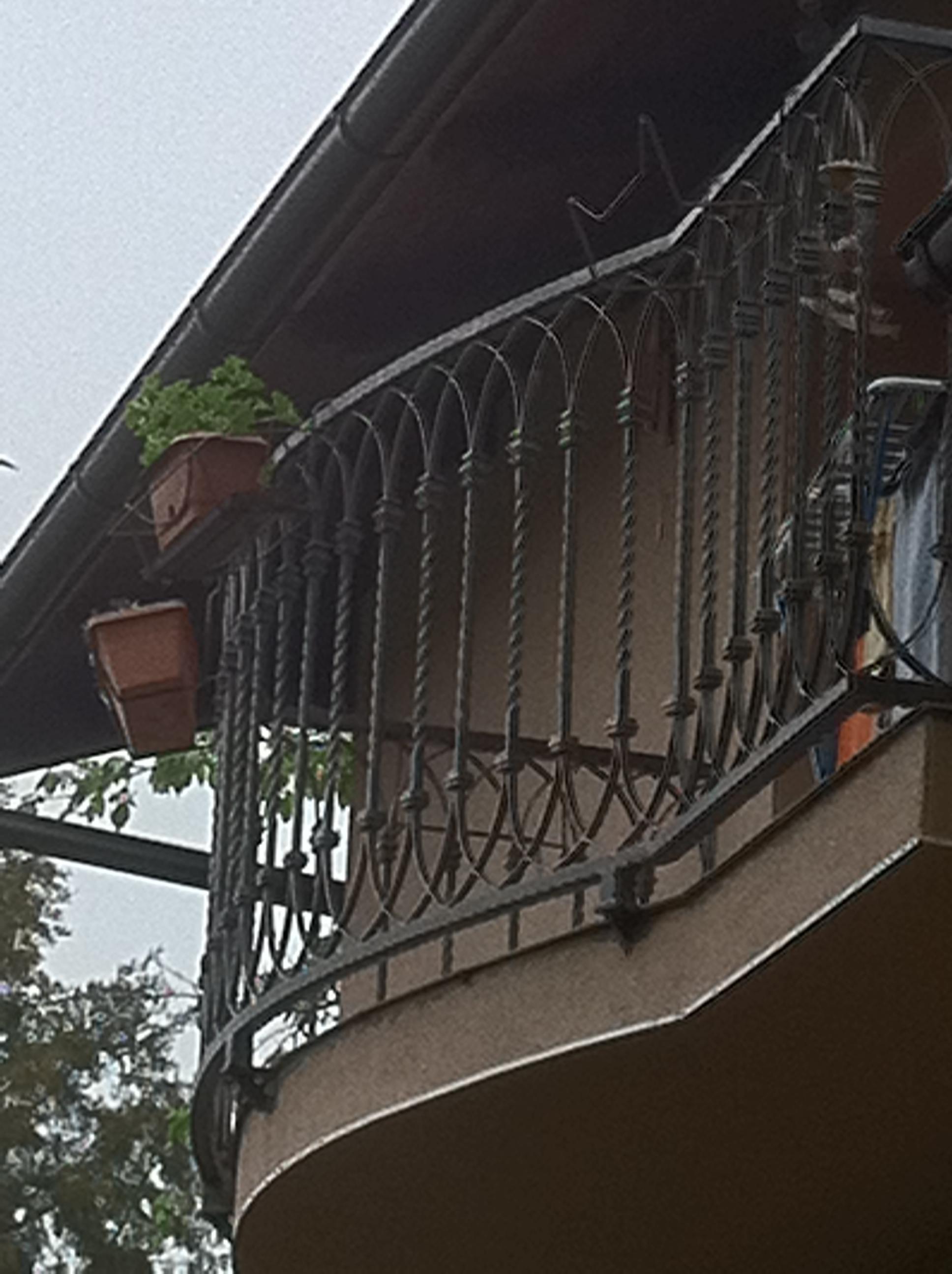 Balkonska_kovana_ograda_Sesvete