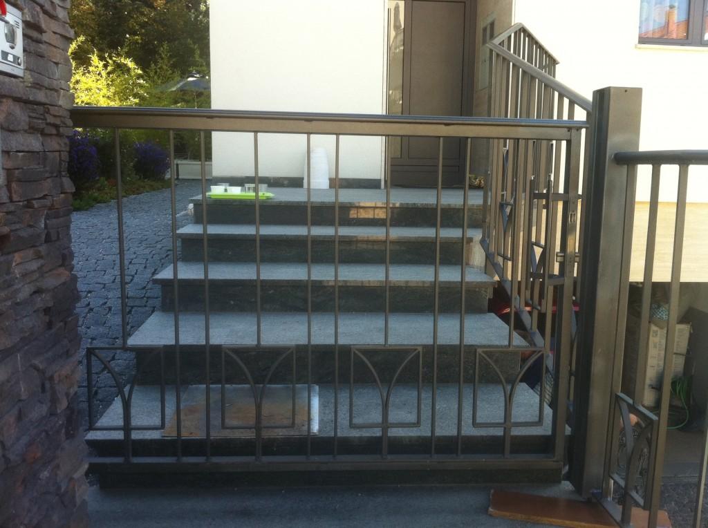 Moderna klizna pješačka vrata